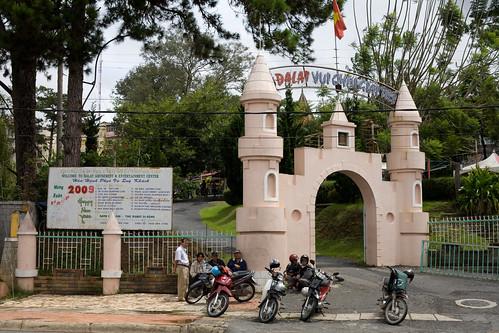 travel vietnam dalat