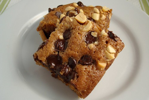 Chocolate Chip and Peanut Blondies