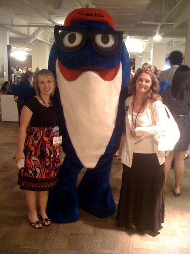 @wholesomemommy & @thedomesticdiva with Charlie the Sunkist Tuna #blogherfood #walmartmoms
