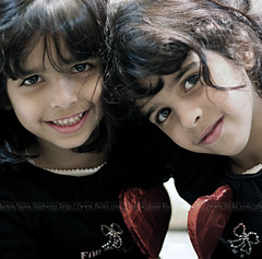 (Doue ) Tags: new girls cute canon hearts 50mm sweet chocolate style sweethearts edit shosho wallah 400d 3woosh 7baybe