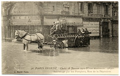 Paris Under the Waters: Early in the Morning with a Long Day Ahead (1910) (postaletrice) Tags: street old morning light horses urban horse rescue paris france luz maana seine vintage geotagged caballos photo flooding ledefrance natural flood antique lumire postcard scene antigua disaster belle carro urbana postal firemen cart francia bomberos firefighters postale carte pars matin chevaux flooded sena crue escena urbaine pompiers tarjeta 8e 8me inundada callejera scne epoque inundacin sauvetage salvamento crecida inond deltiology cartofilia geo:lon=488748 cartophilie geo:lat=23204