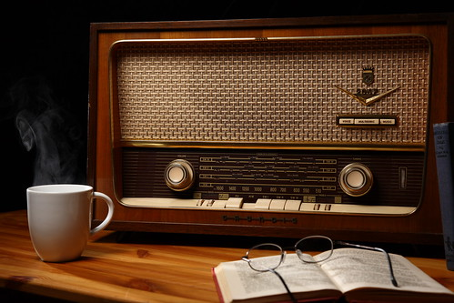 Radio Daze par Ian Hayhurst http://www.flickr.com/photos/imh/3297961043/