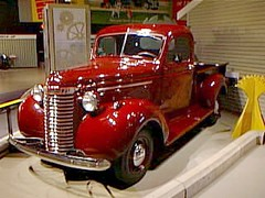 alta99g69 Reynolds-Alberta, 1940 Chevrolet Pickup, Wetaskiwin (CanadaGood) Tags: red canada color colour chevrolet museum truck 1940 ab pickup 1999 chevy alberta vehicle nineties wetaskiwin reynoldsalbertamuseum generalmotors canadagood