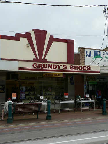 Grundy's Shoes, Glenelg