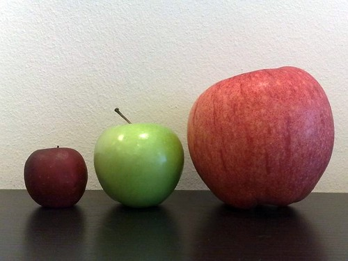 Granny Smith in between Japanese Aomori apples