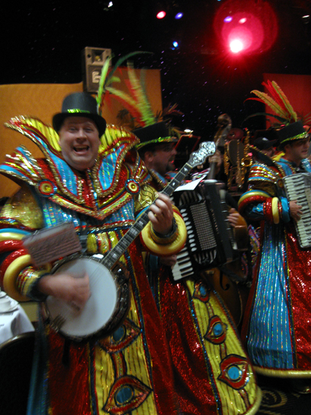 The Mummers Perform (Click to enlarge)