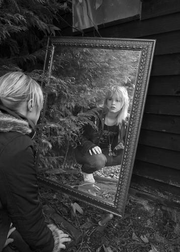 4P) Chelsea Broadley - 'Meeting Me'