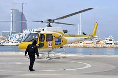 CAT Helicopters (FOlmeda) Tags: yellow nikon bcn amarillo d300 aviacion helico helicptero folmeda