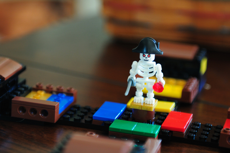 10.05.06 - Pirate Code Lego Game