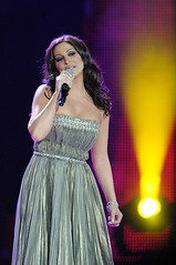 Elissa | World Music Award for the 3rd time for being best-selling artist of the Middle East (Elissa Official Page) Tags: world music for artist time being award east elissa middle 3rd 2012  bestselling  2011