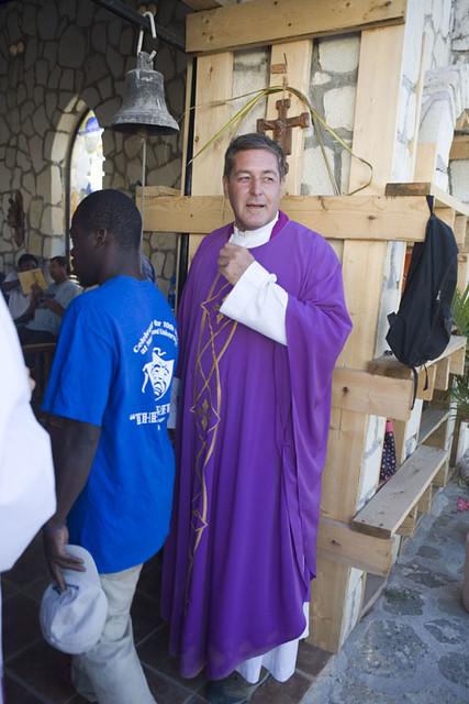 Padre Rick Frechette