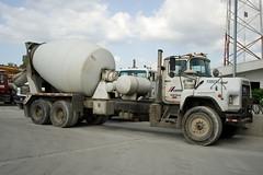 Camion betoniera cemento
