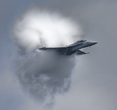 F18 Super Hornet Really Showing Off (phenix) Tags: show plane md g sony air jet maryland sound barrier sonicboom airforce f18 oceancity usaf hdr vapor ssm jetfighter supersonic fa18 superhornet soundbarrier a700 vaporcone supershot kartpostal 70400mm prandtlglauertsingularity allxpressus photoshopcreativo sal70400g doublyniceshot tripleniceshot dblringexcellence tplringexcellence artistoftheyearlevel3 artistoftheyearlevel4 aboveandbeyondlevel4 aboveandbeyondlevel1 flickrstruereflection1 flickrstruereflection2 flickrstruereflection3 flickrstruereflection4 flickrstruereflection5 artistoftheyearlevel5 eltringexcellence artistoftheyearlevel7 artistoftheyearlevel6 aboveandbeyondlevel2 aboveandbeyondlevel3
