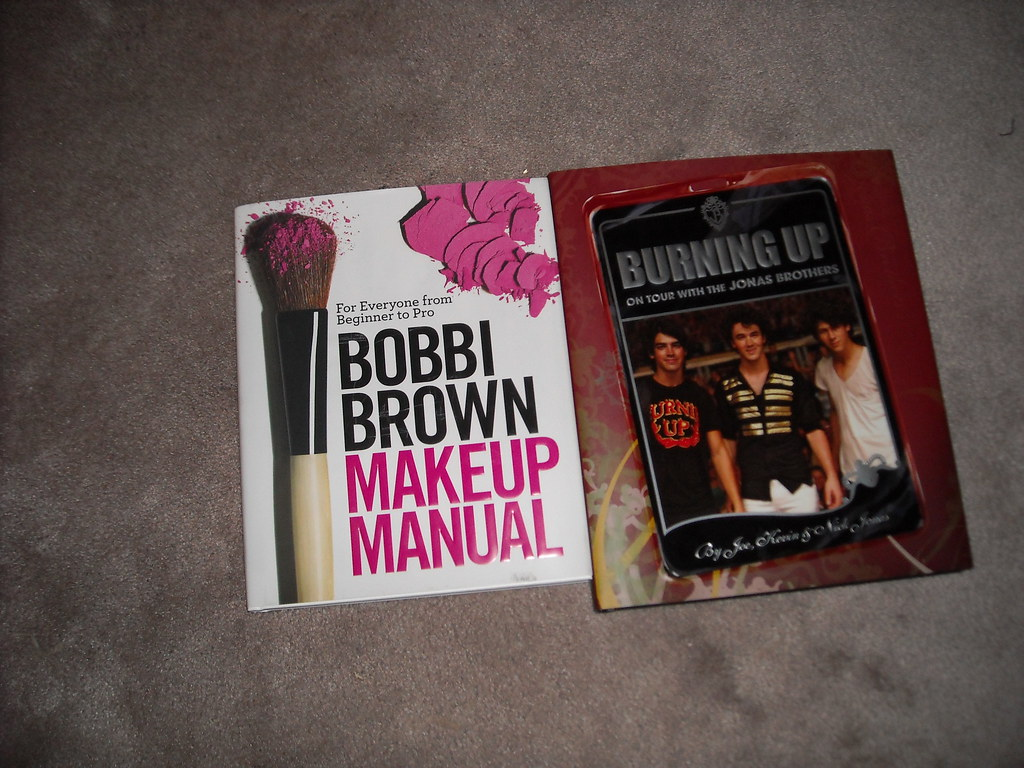 2 books I got for xmas (Makeup book and Jonas Brothers Bruning up book)