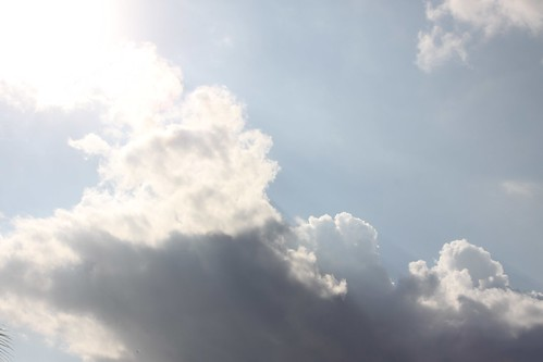 """Nubes • <a style=""""font-size:0.8em;"""" href=""""http://www.flickr.com/photos/30735181@N00/3248387260/"""" target=""""_blank"""">View on Flickr</a>"""