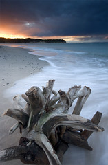Findhorn Beach (freeskiing) Tags: winter sunset beach scotland sand explore moray gloaming morayfirth findhorn dramaticcloud highlandsofscotland ndgrad09 benthorburn