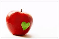 One apple a day keeps doctors away! (ThNVN) Tags: love apple ht thinovn heokieng heokiengladorex