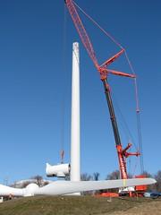 IMG_2313 (B42) Tags: windmills rhodeisland windturbine wtg portsmouthri 02871 windturbinegenerator aaer pedc