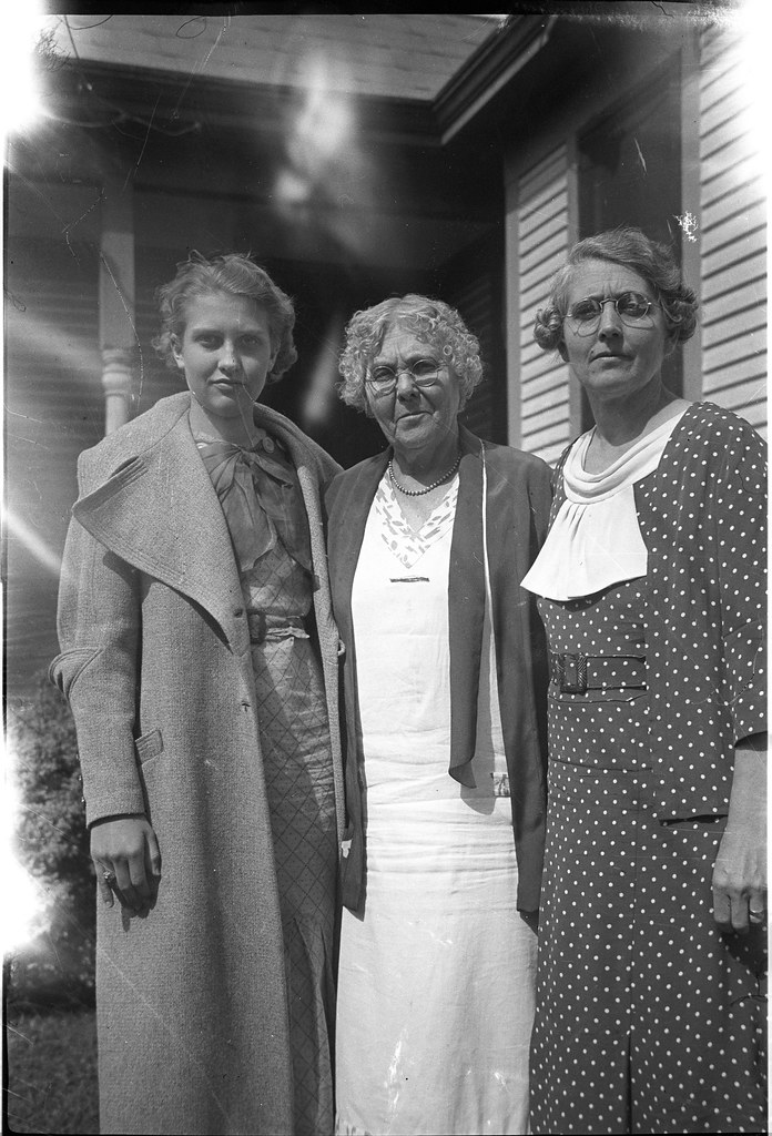 1920s-1930s Ekwall - Velma Louise Ekwall Lundstrom, Unknown Woman, and Mary Ella Abernathy Ekwall