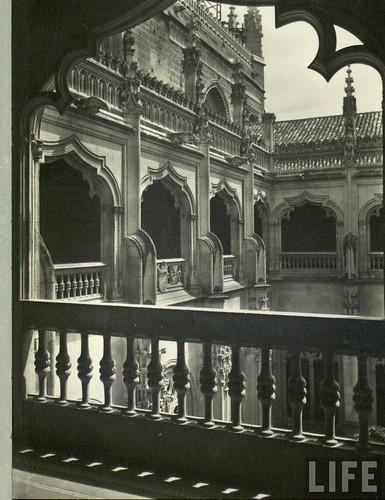 Claustro del monasterio de San Juan de Los Reyes  de Toledo a principios del siglo XX. Archivo de la revista Life