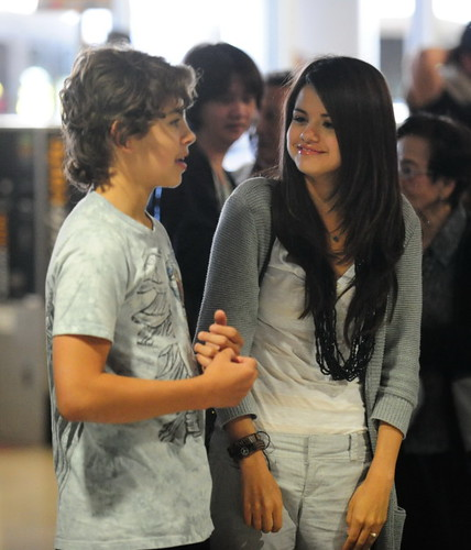 selena gomez mother pictures. Selena Gomez And Co-Star Jake