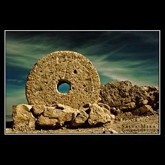 Millwheel (Salva Mira) Tags: mill wheel flickr molino alicante kdd rueda roda alacant paísvalencià castillodesantabárbara millwheel ruedademolino molí qdd abigfave castelldesantabàrbara salvamira trobadaflickr eixidetes eixidetespelpaísvalencià rodademolí