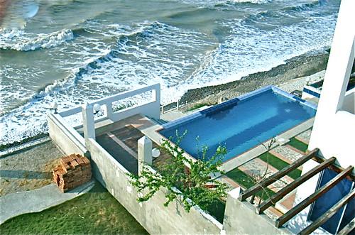 ecuador-beach-crucita