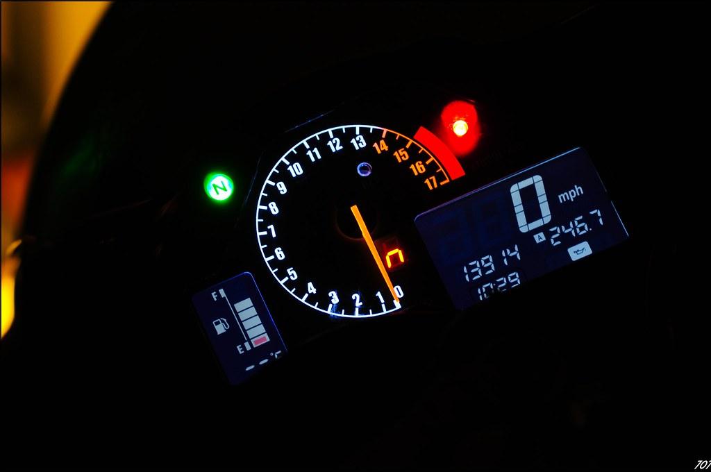newest mod, gear indicator inside gauge cluster, led color