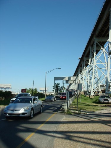 Huey P. Long Bridge that took me over the Mississippi River and into New Orleans...