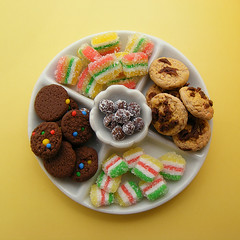 Marmalades and Cookies Platter (Shay Aaron) Tags: food orange english scale cake dessert miniature cookie candy chocolate chewy fake mini chips fimo clay tiny bagel faux treat citrus sponge tart 12th truffle 112 pretzel platter teaparty marmalade layercake dollhouse petit realistic polymer shayaaron