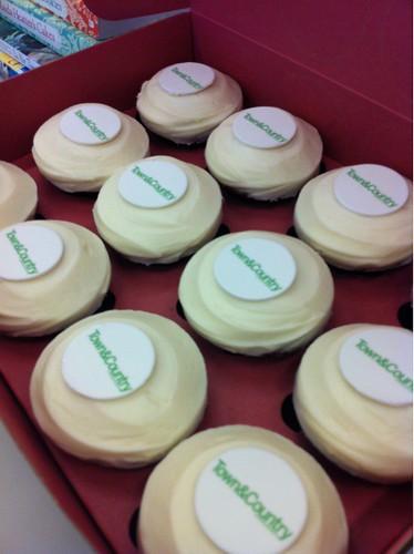 sprinkles custom cupcakes