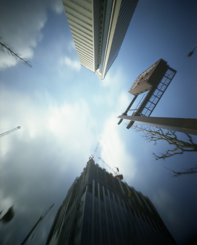 2009_0117_SS30向かい建築中のビル