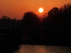 19474 Sunset (golli43) Tags: schnee winter sunset clouds leute familie katzen freunde westend nachbarn charlottenburg eisblumen alltag strassen kristalle neujahrsfest heelammun jahrdesbffels
