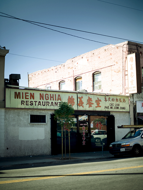Mien Nghia Chinatown, Los Angeles