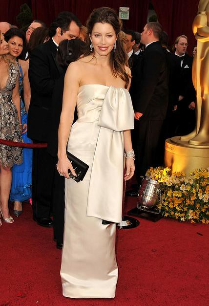 Actress Jessica Biel arrives at the 81st Annual Academy Awards h by joeward072389