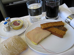 Air France Business Class / Flight 084 () Tags: vacation plane airplane bread fly inflight wine cab aircraft flight jet aerial 3a bacchus vin appetizer boeing redwine inflightmeal airplanefood aereo 747 pate airliner avion frenchbread vino airfrance wein b747 foodie 1933 747400 businessclass cabernetsauvignon cabernet cabernetfranc foiegras areo 084 duckliver pt insidetheplane worldbusinessclass skyteam  duckliverpt cabininterior duckliverpate lespaceaffaires seat3a interiorcabin ptdefoiegras inthecabin   pateofduckliver foiagra