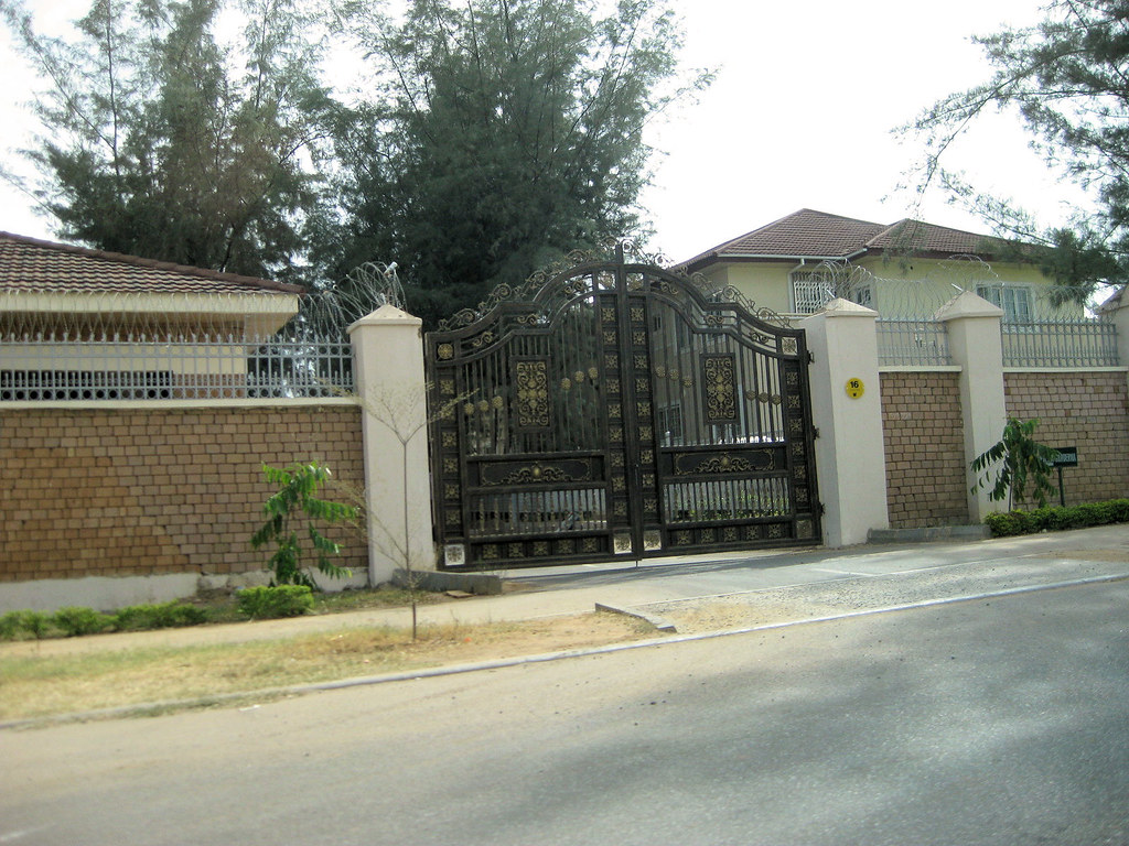 Re mansions in nigeria pics you can post more pictures by jason123 105pm on may 21 building and fence decoration household
