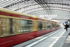 Willkommen in Berlin (SLpixeLS) Tags: berlin station train germany deutschland gare central allemagne centrale hauptbahnof 5photosaday abigfave aplusphoto platinumheartaward flickrestrellas zensationalworld