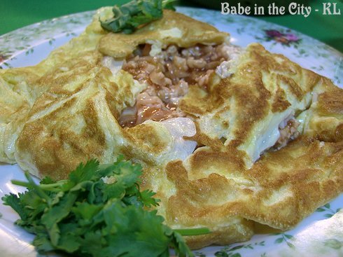 KT - Pattaya Omelette with Chicken, Prawns and Squid fillings RM15
