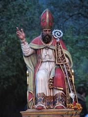 San Leone (Taddeuro.spaces.live.com) Tags: san italia sicily leone cultura sicilia messina sacro pasqua pagano feste vescovo rito processione tradizioni sinagra profano sicilianit taddeuro religose