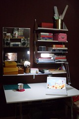 Meus Home Office(s) a noite (carolcani) Tags: home office pc mac crafts macbook