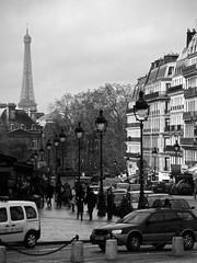 Quartier Latin (Photocoyote) Tags: bw paris france europe toureiffel parigi quartierlatin blancetnoir flickrgolfclub canonpowershota720is
