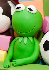 Kermit The Frog (Rouvelee's Creations) Tags: bear kite cake monkey elmo pooh christening winniethepooh giraffe soccerball beachball toybox rubberduckie buildingblocks kermitthefrog