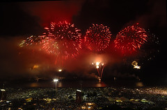 Fogos Copacabana 2009 - Fireworks over Copacabana 2009 by augusto.froehlich