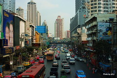 Traffic (ulli_p) Tags: street city travel urban buildings southeastasia colours bangkok picturesque travelphotography d80 nikond80 earthasia unlimitedphotos spiritofphotography qualitypixels