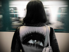 (Damien Rayuela) Tags: woman man paris eye girl look speed subway ojo other mujer crossing metro coat femme trench orwell bigbrother each hombre parisian homme manteau abrigo desigual urbanmotiontales