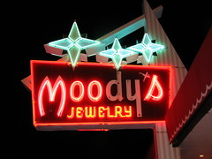 Moody's Jewelry Neon Sign w/ flash (Lost Tulsa) Tags: signs oklahoma neon jewelry tulsa moodys losttulsa