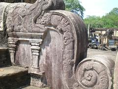 Korawakgala of Polonnaruwa Vatadageya (jagath pitigala) Tags: stonecarving polonnaruwa korawakgala vatadageya polonnaruwavatadageya