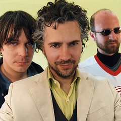 Image of Wayne Coyne and The Flaming Lips found at http://www.flaminglips.com/main.php