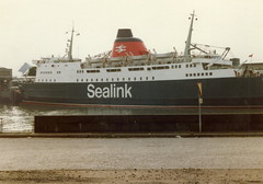File0362 Sealink Ferry Hengist in Boulogne, France (IoW_Sparky (off line - again)) Tags: sea mer france ferry canon boats coast boat ship boulogne harbour channel manche nord sealink pasdecalais hengist norddepasdecalais norddupasdecalais
